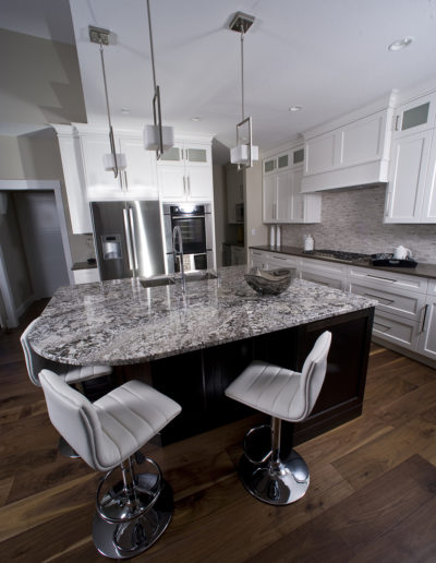 Kitchen Island - Built-Rite Homes - DSC_5333