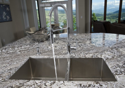 Kitchen Island SInk - Built-Rite Homes - DSC_5341